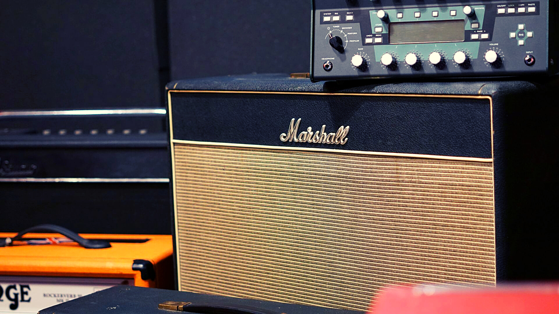 Slide Marshall Amp 2